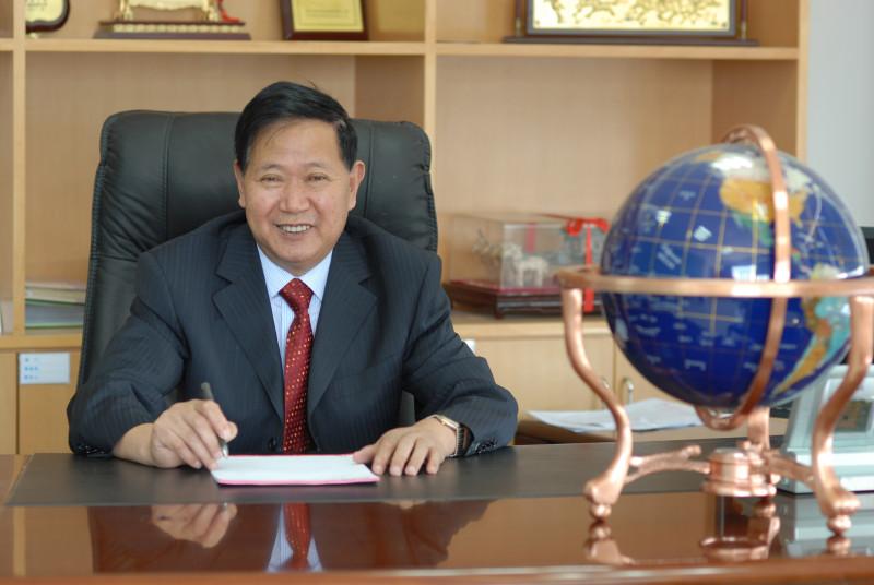 双鸟集团董事长张文忠              ZHANG Wen-Zhong, Chairman, TBM Hoist 1