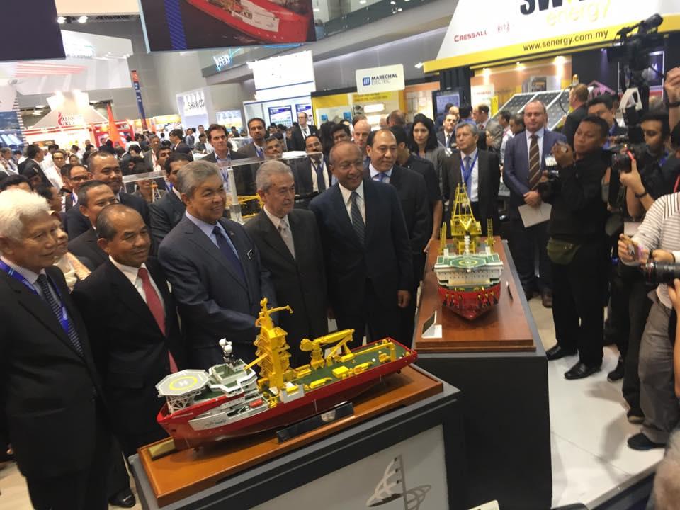 Vip Tour by YAB Dato' Seri Dr. Ahmad Zahid Bin Hamidi, Deputy Prime Minister alongside YAB Tun Abdullah Ahmad Badawi, Advisor of Petronas and YBhg Tan Sri Sidek Hassan, Chairman of Petrona